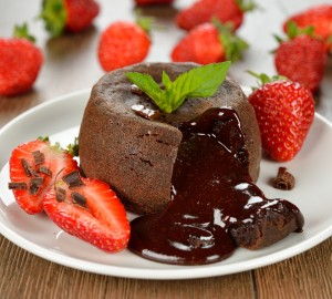 Cake with chocolate and strawberries